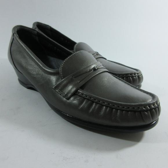 Women's SAS Shoes Size 9 S Narrow Tripad Comfort Slip On Loafer Moc Wedge Pewter